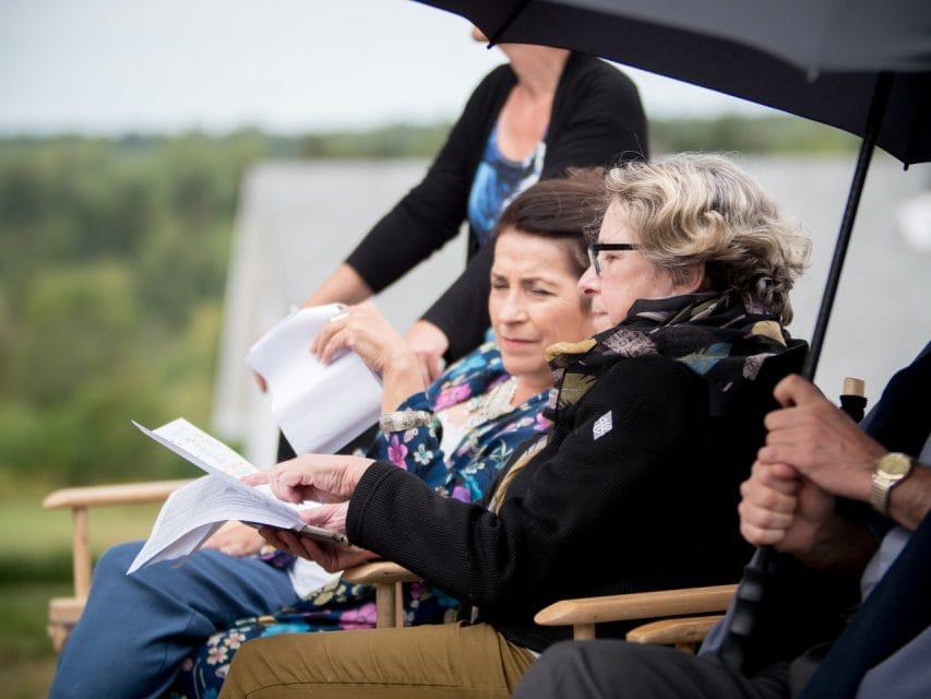 Suzette Lagace Discute Avec Lauteure Patricia Leger Credit Maurice Aubin